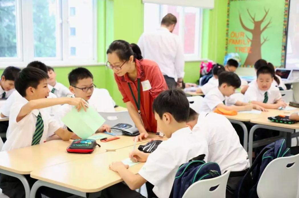 包玉刚初中部七、八年级转校生信息咨询会